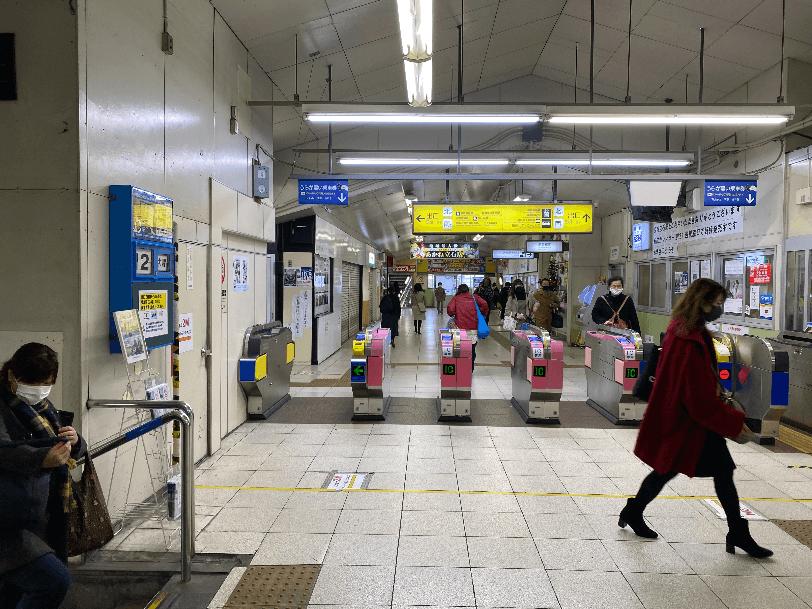 京成立石駅の改札を出て
